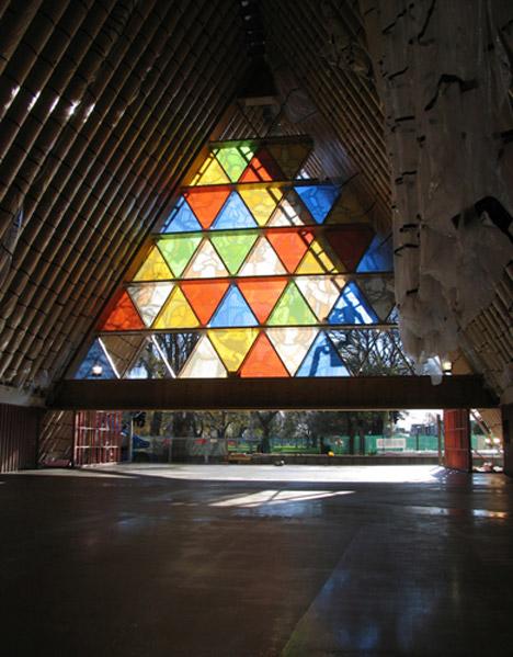 trianglebuilding2