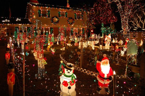 christmasdecoratedhouses3